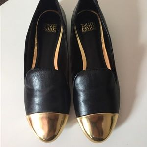 Truth Or Dare By Madonna Black Flats Sz 8